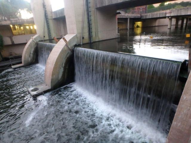 river walk dam