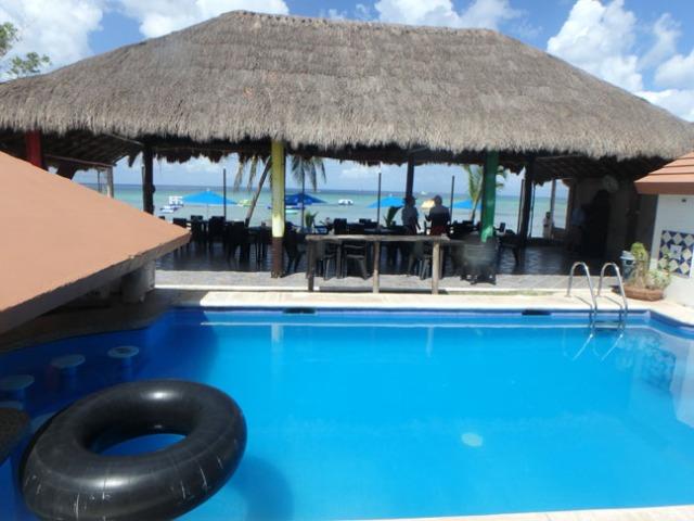 Aquarium Bar in Cozumel