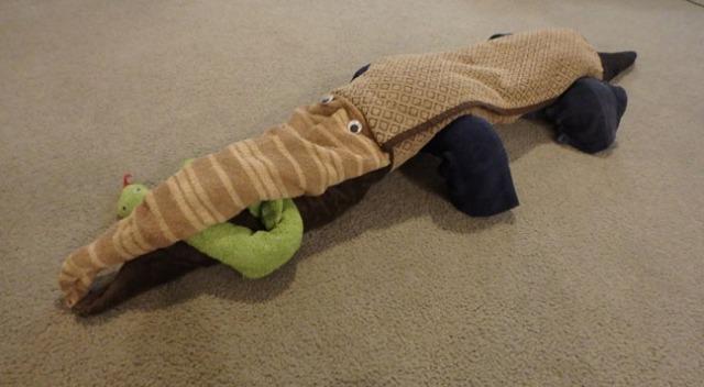 towel alligator