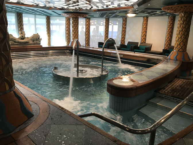 Westerdam spa pool